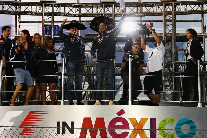 المنصة،: المركز الثالث دانيال ريكاردو، ريدبُل وماكس فيرشتابن، ريدبُل
