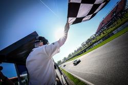 Yarış galibi #17 Team WRT Audi R8 LMS: Stuart Leonard, Frederic Vervisch