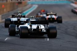 Kevin Magnussen, Haas F1 Team VF-17, Lance Stroll, Williams FW40