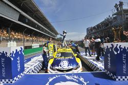 Daniel Serra comemora título da Stock Car