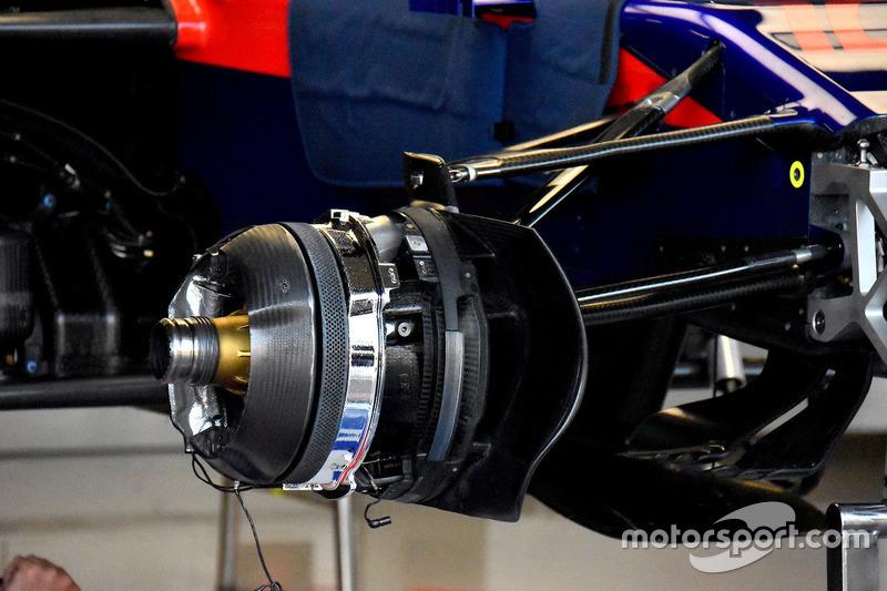 Scuderia Toro Rosso STR13 remmen
