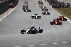 Lewis Hamilton, Mercedes AMG F1 W09, leads Sebastian Vettel, Ferrari SF71H, Kimi Raikkonen, Ferrari SF71H, Valtteri Bottas, Mercedes AMG F1 W09, for the formation lap