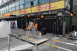 McLaren pit box preparations