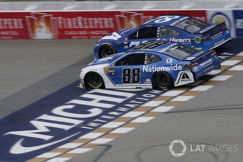 Alex Bowman, Hendrick Motorsports, Chevrolet Camaro Nationwide Martin Truex Jr., Furniture Row Racing
