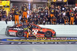 Campeón 2017 Martin Truex Jr., Furniture Row Racing Toyota