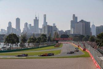 Lance Stroll, Racing Point RP19, Carlos Sainz Jr., McLaren MCL34, Antonio Giovinazzi, Alfa Romeo Racing C38, Daniil Kvyat, Toro Rosso STR14, y Pierre Gasly, Red Bull Racing RB15