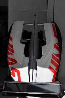 Кожух двигателя Haas F1 Team VF-18