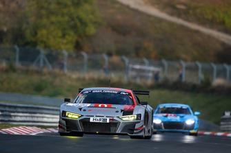 #32 Land Motorsport Audi R8 LMS: Marcel Fässler, Frederic Vervisch