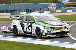Jake Hill, Tony Gilham Racing Volkswagen CC, crash