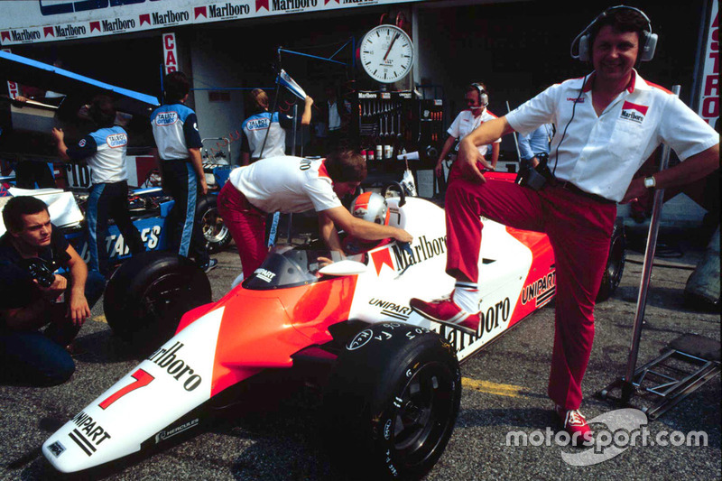 John Barnard, McLaren, Chefdesigner, mit dem McLaren MP4/1B Ford Cosworth
