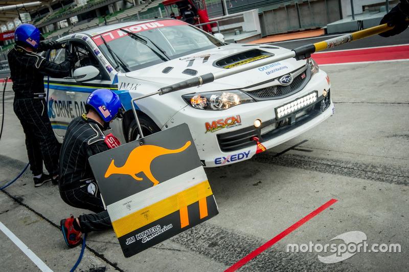 #77 Jim Hunter Motorsport, Subaru STi Impreza 2.0: Jim Hunter, Grant Johnson, Andrew MacPherson, Allan Letcher
