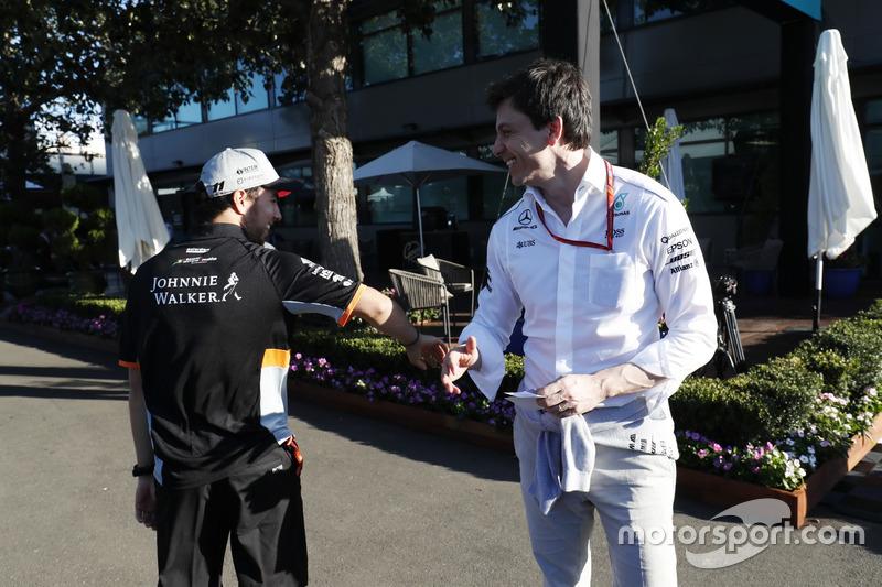Sergio Perez, Force India, mit Mercedes-Sportchef Toto Wolff