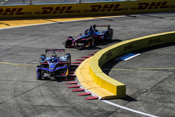 Sam Bird, DS Virgin Racing, leads Maro Engel, Venturi