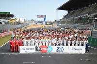 The official drivers group photo