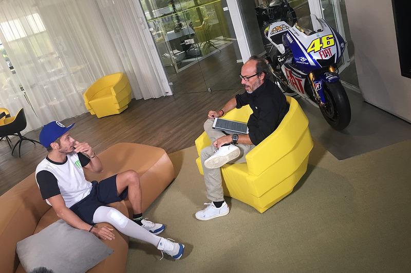 Valentino Rossi é entrevistado por Guido Meda