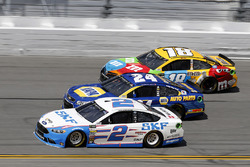 Brad Keselowski, Team Penske Ford, Kyle Busch, Joe Gibbs Racing Toyota, Chase Elliott, Hendrick Motorsports Chevrolet