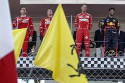 Riccardo Adami, Ferrari Race Engineer, Kimi Raikkonen, Ferrari, Sebastian Vettel, Ferrari and Daniel Ricciardo, Red Bull Racing RB13