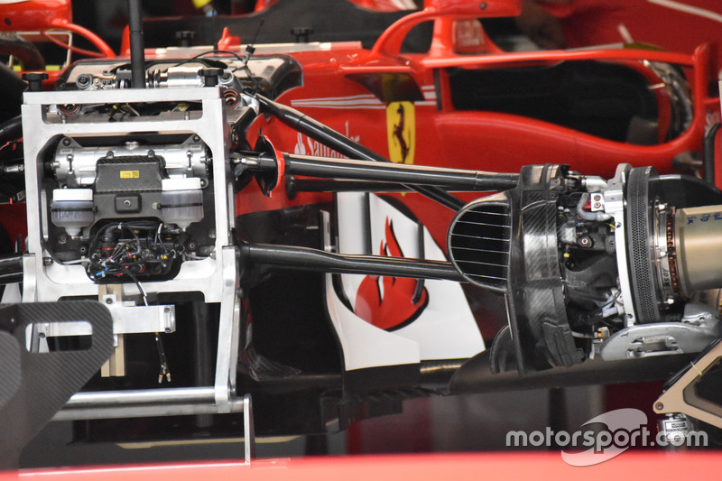 Ferrari SF70H : vue détaillée de la suspension avant et du châssis