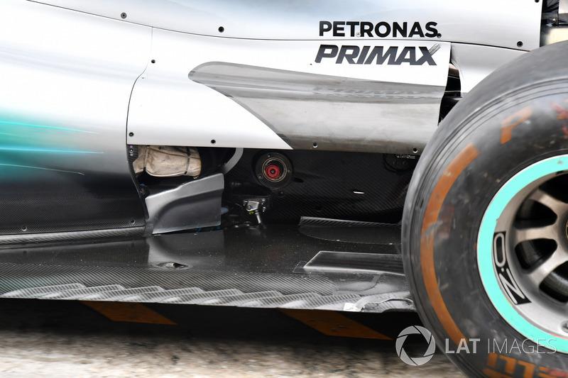 Mercedes-Benz F1 W08  rear floor