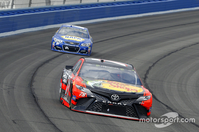 Martin Truex Jr., Furniture Row Racing, Toyota; Chase Elliott, Hendrick Motorsports, Chevrolet