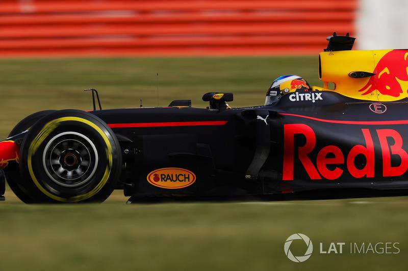 Даниэль Риккардо, Red Bull (117 очков, четвертое место в общем зачете, лучший результат – победа на Гран При Азербайджана). Оценка Motorsport.com Россия – 8/10