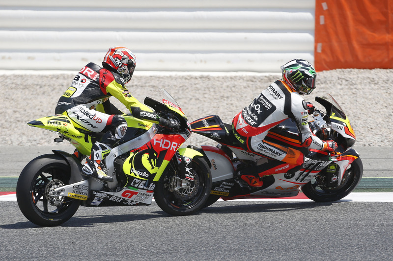 Sturz: Simone Corsi, Speed Up Racing; Lorenzo Baldassarri, Forward Racing