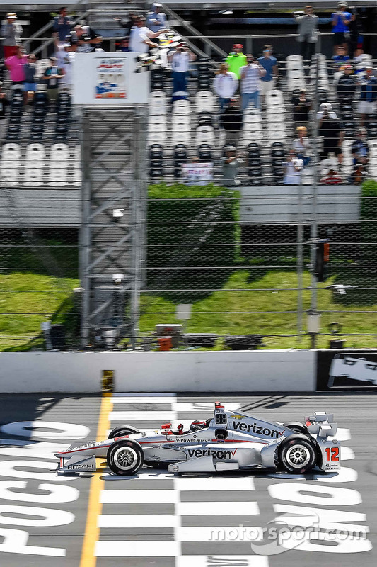 Will Power, Team Penske Chevrolet prende la bandiera a scacchi