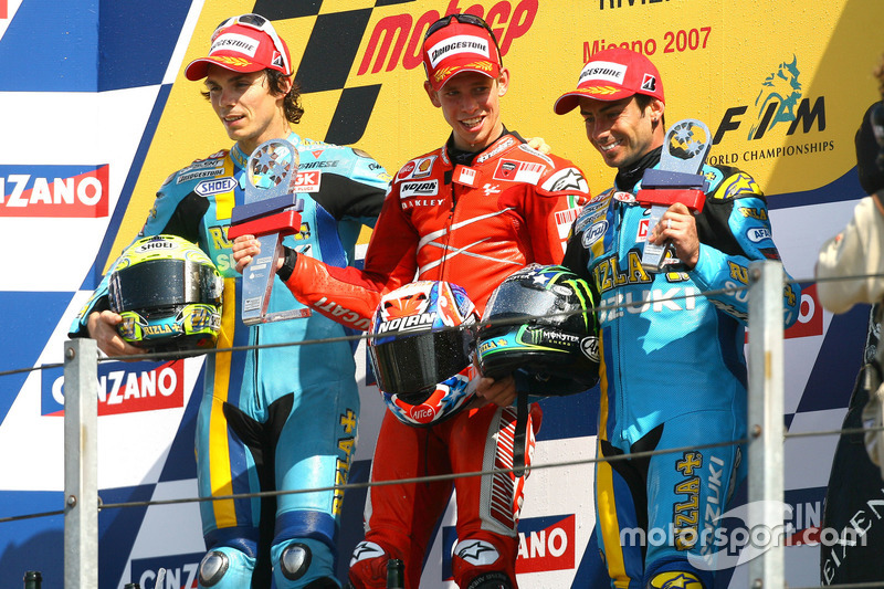 Podium: Sieger Casey Stoner, Ducati; 2. Chris Vermeulen, Suzuki; 3. John Hopkins, Suzuki
