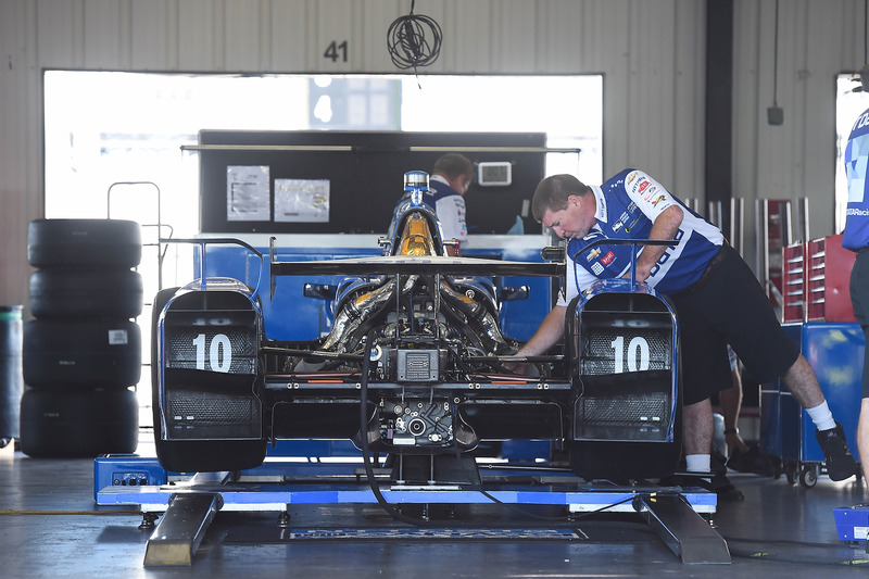 La monoposto di Tony Kanaan, Chip Ganassi Racing Chevrolet in the garage