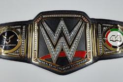 Пояс WWE Льюіс Хемілтон