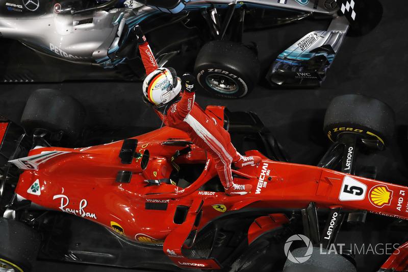 Sebastian Vettel, Ferrari, vainqueur, dans le parc fermé
