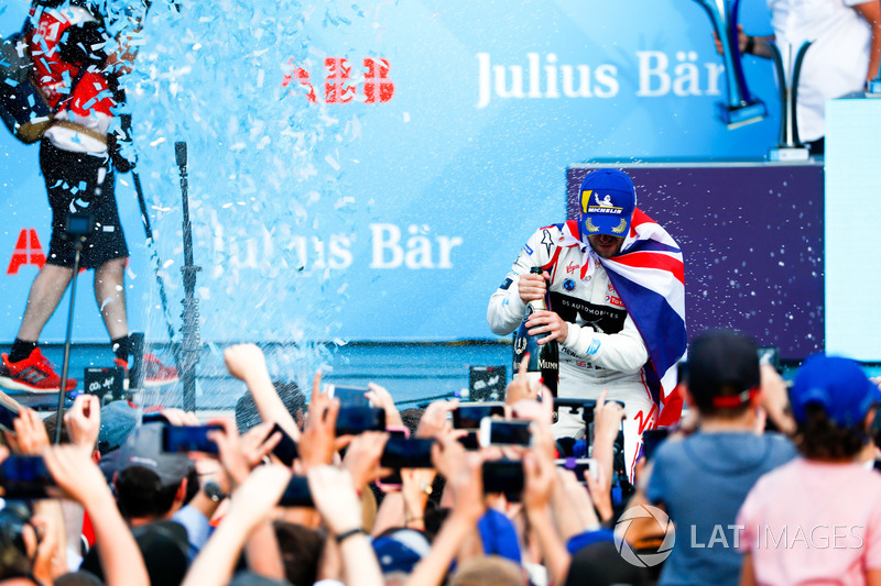 Lucas di Grassi, Audi Sport ABT Schaeffler, wins the Zurich ePrix, with Sam Bird, DS Virgin Racing,