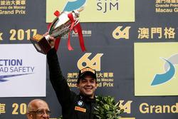 Podio: il secondo classificato Augusto Farfus, BMW Team Schnitzer, BMW M6 GT3