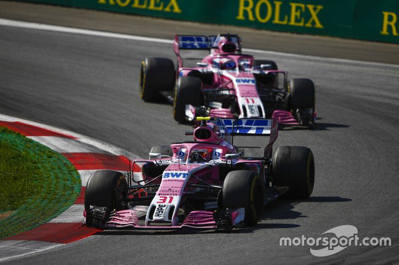 Esteban Ocon, Force India VJM11, Sergio Perez, Force India VJM11
