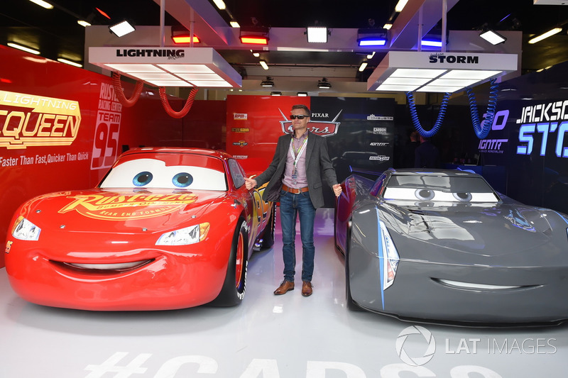 Fan nel garage di Cars 3