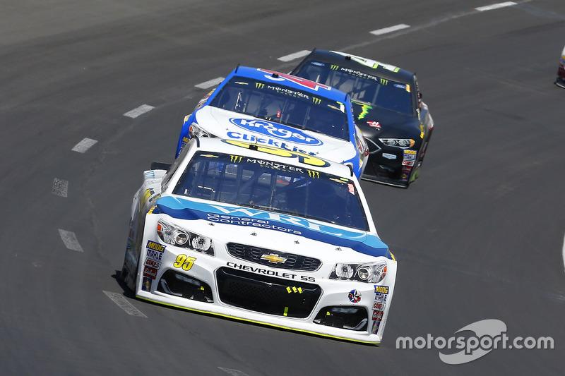 Michael McDowell, Leavine Family Racing, Chevrolet; A.J. Allmendinger, JTG Daugherty Racing, Chevrolet