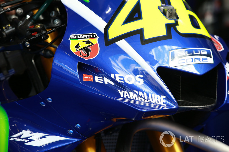 Обтічник на мотоциклі Валентино Россі, Yamaha Factory Racing
