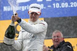 Подіум: Роберт Вікенс, Mercedes-AMG Team HWA, Mercedes-AMG C63 DTM
