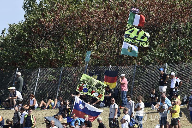 Mesmo sem correr, Valentino Rossi foi lembrado pelos fãs presentes em Misano.