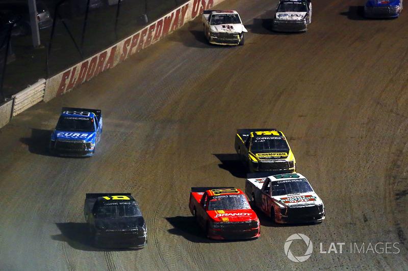 Harrison Burton, Kyle Busch Motorsports Toyota, Max Johnston, Young Motorsports Chevrolet y Norm Benning, Norm Benning Racing Chevrolet