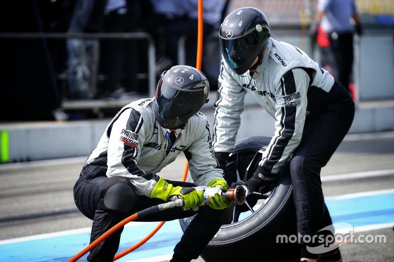 Un membro del team Mercedes-AMG Team HWA
