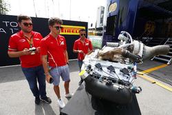 Charles Leclerc, PREMA Powerteam, und Antonio Fuoco, PREMA Powerteam, mit dem neuen Formel-2-Motor für 2018