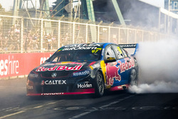 Race winner Shane van Gisbergen, Triple Eight Race Engineering Holden