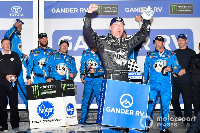 Ganador Kevin Harvick, Stewart-Haas Racing, Ford Mustang Busch Beer Car2Can