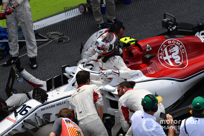 Charles Leclerc, Alfa Romeo Sauber C37 on the grid