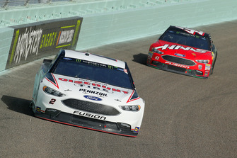 Brad Keselowski, Team Penske, Ford Fusion Discount Tire and Kurt Busch, Stewart-Haas Racing, Ford Fusion State Haas Automation/Monster Energy