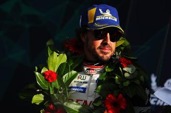 Podio: #8 Toyota Gazoo Racing Toyota TS050: Fernando Alonso