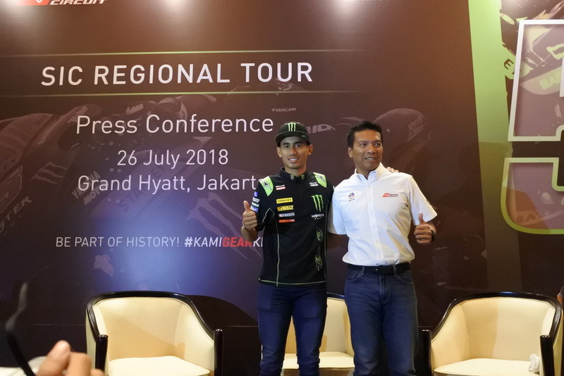 Dato' Razlan Razali, CEO Sepang International Circuit and Hafizh Syahrin, Monster Yamaha Tech 3