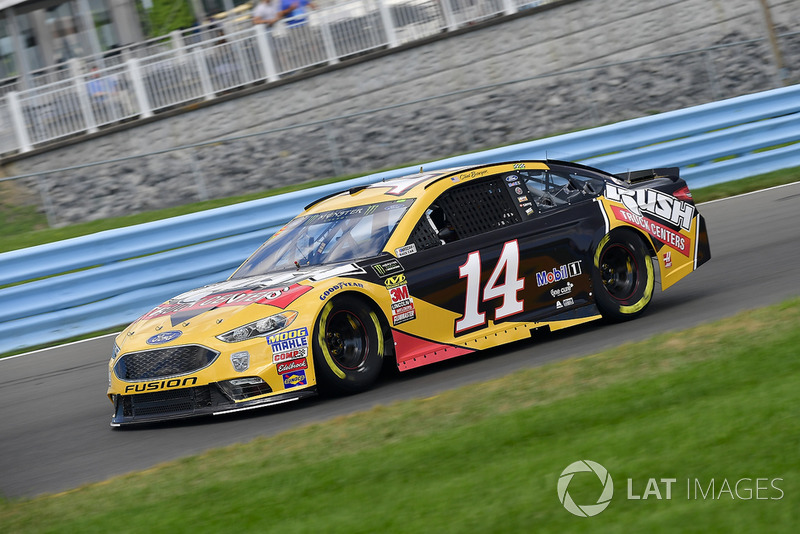 18. Clint Bowyer, Stewart-Haas Racing, Ford Fusion Rush Truck Centers