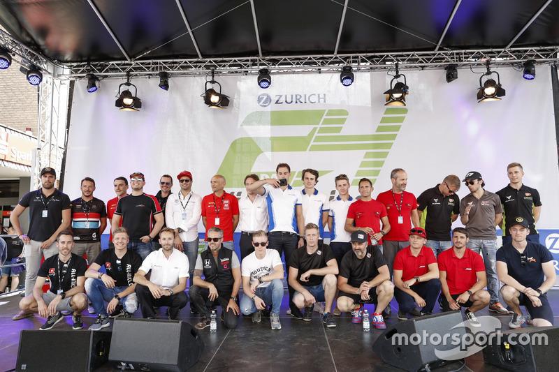 Imagen de grupo en Adenauer Raceday